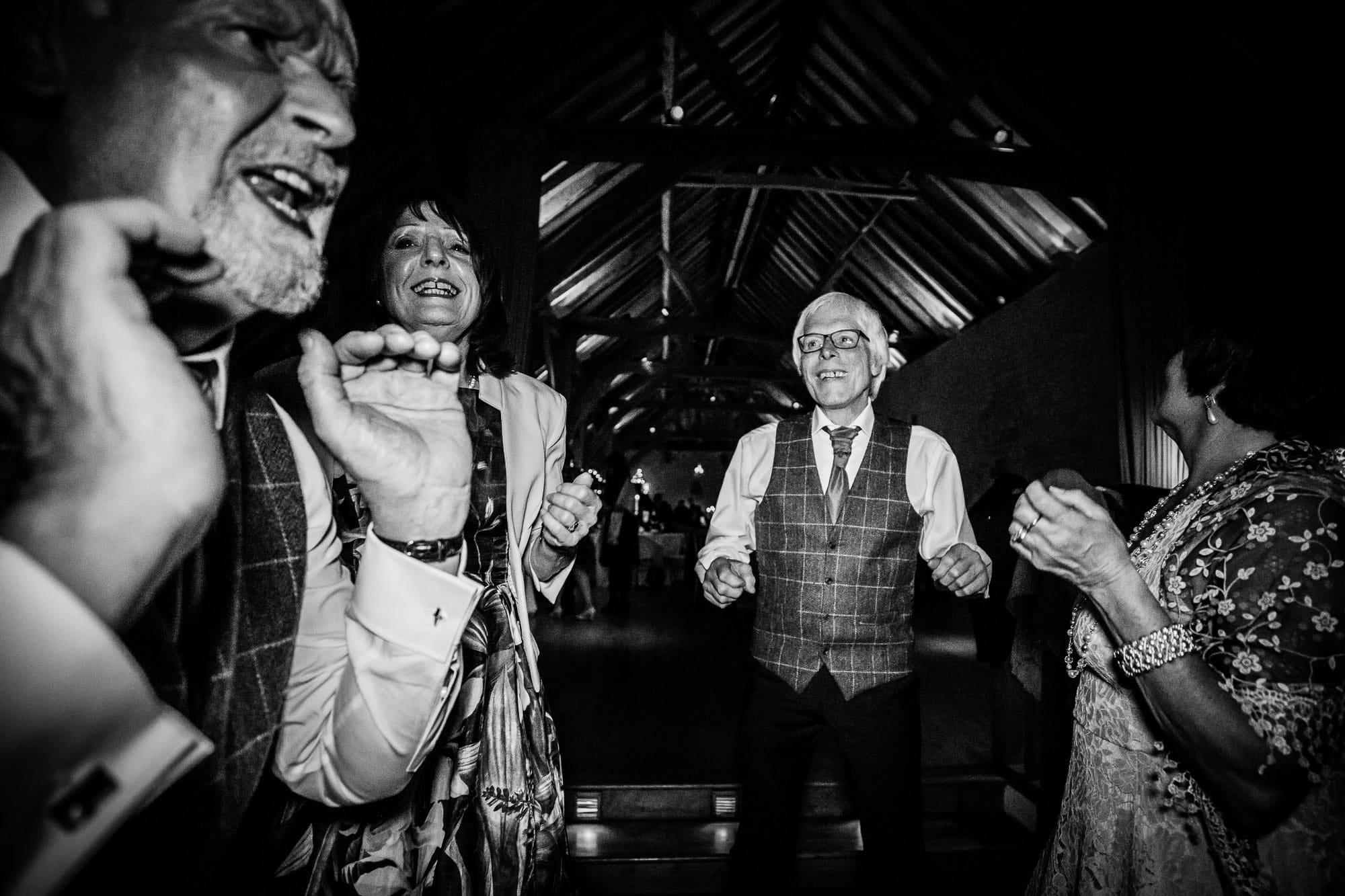 Bury Court Barn Wedding Photography 094 6157