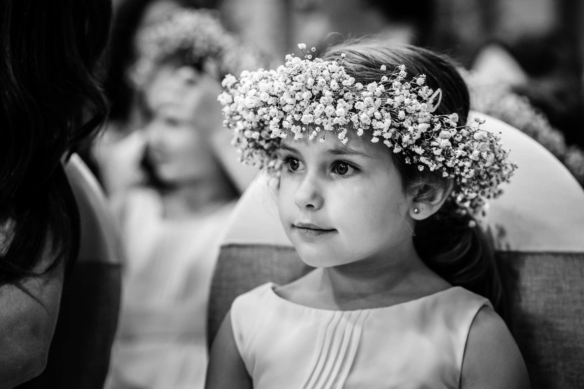 Flower girl, BW